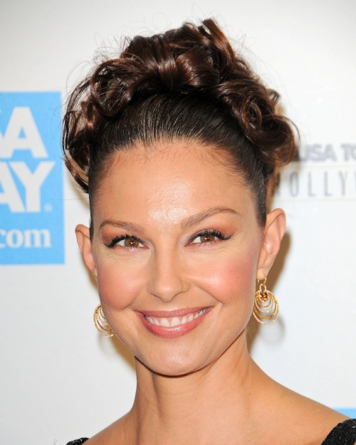 "Ashley Judd stars in ABC's ""Missing"""